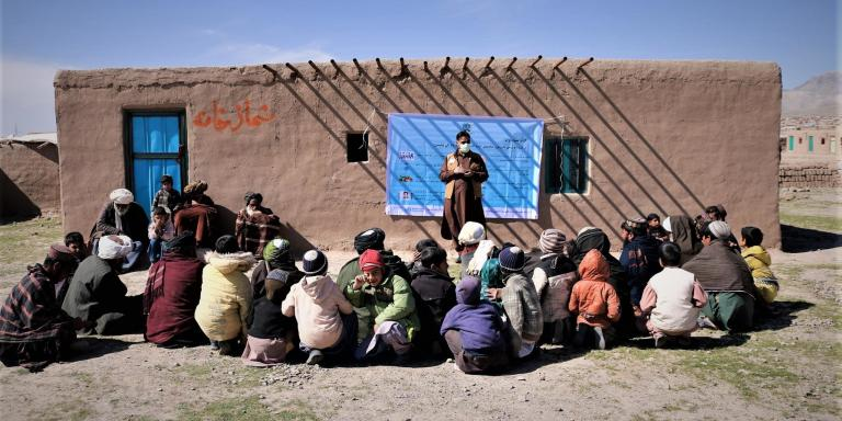 In an effort to raise awareness of the necessary hygiene steps to contain the spread of Covid-19, the Camp Management team with support from the WASH team in Herat and Badghis are conducting an awareness raising campaign across displacement sites in Afghanistan.